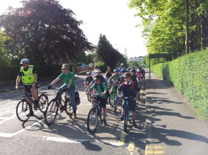 Sciennes Primary School Pupils, cycling from the King's Buildings to Sciennes Primary School.